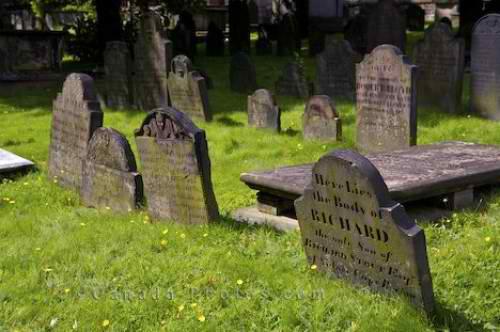 graveyard_2860-2783