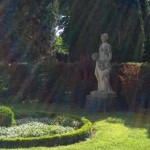 Kb-9-Statue-in-the-Garden